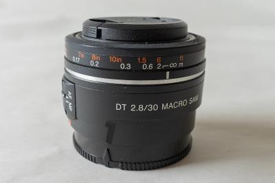 Objektiv SONY 30 mm f/2,8 DT Macro SAM