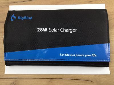 Přenosná solární nabíječka BigBlue s digitálním ampérmetrem Blue