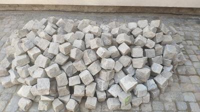 Žulové dlažební kostky - použité