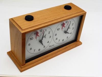#2312A šachové hodiny Insa dřevěné analogové